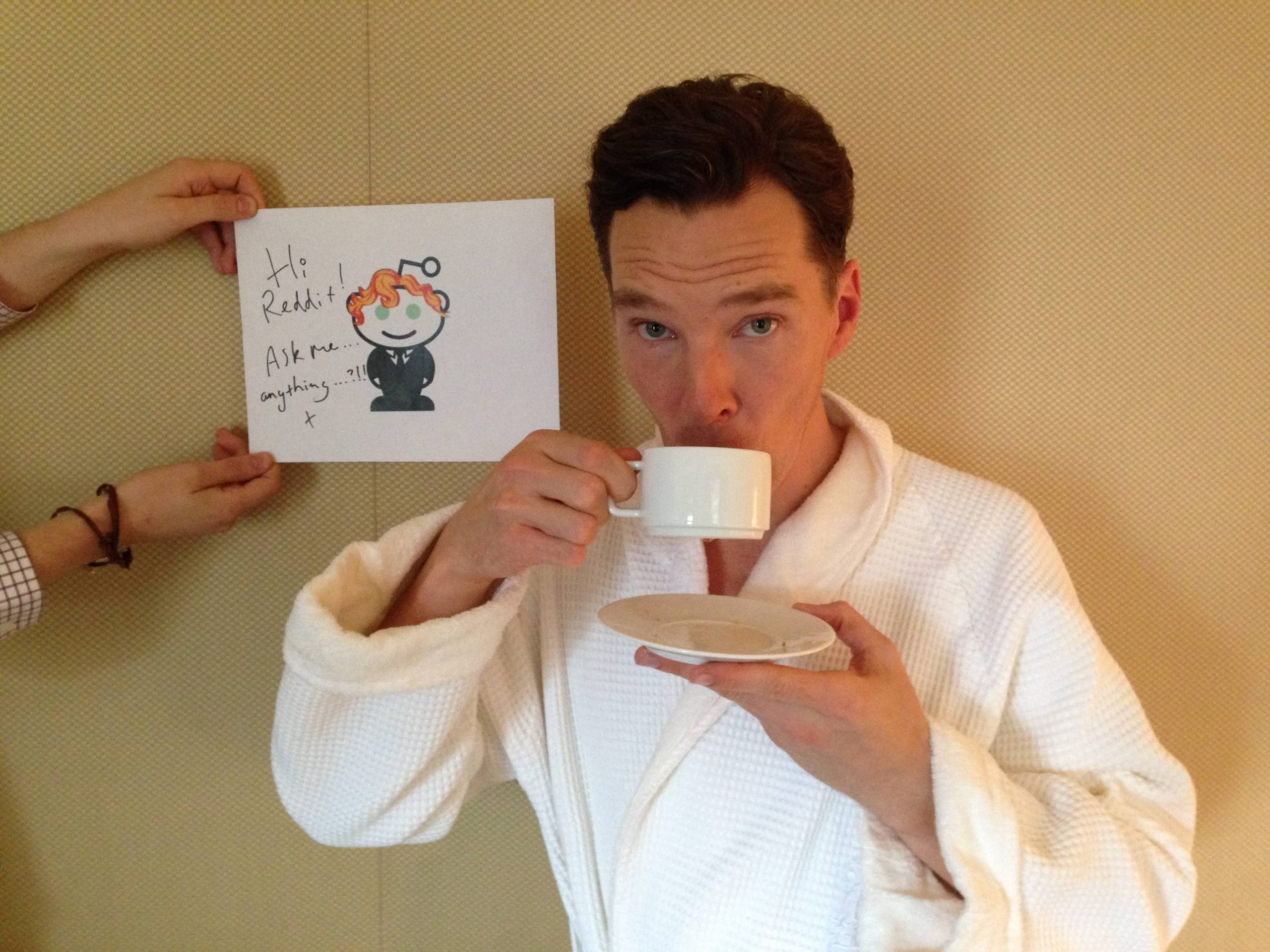 Cumberbatch Reddit AMA- Sarcasm, Time Traveling Cheekbone Polishing Parties, & Personal Message to Julian Assange