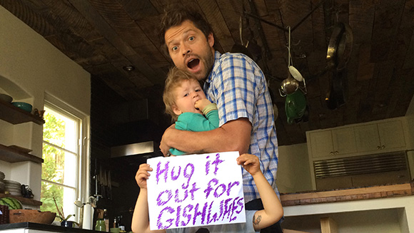 misha_collins_hug_guinness_world_records