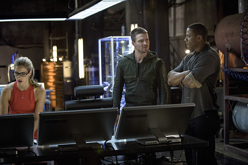 Arrow-season-3-episode-2-Team-Arrow