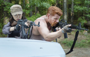 the-walking-dead-episode-511-rosita-serratos-abraham-cudlitz-main-590