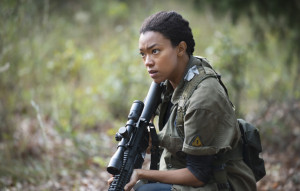 the-walking-dead-episode-513-sasha-martin-green-main-590