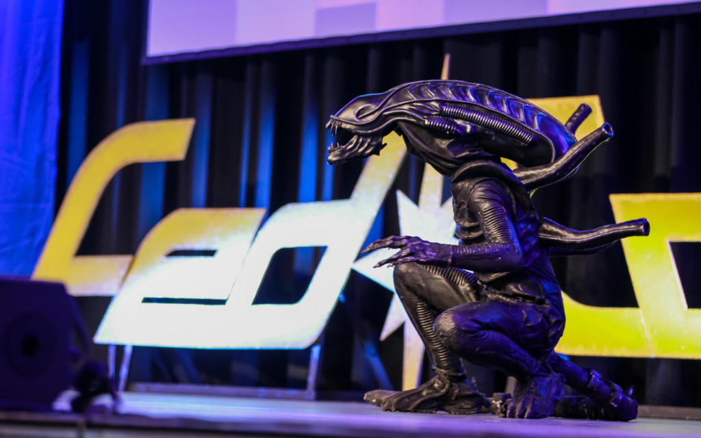 Alien on the FedCon stage