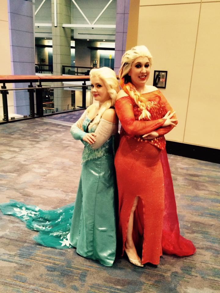 C2E2 Cosplay Elsa