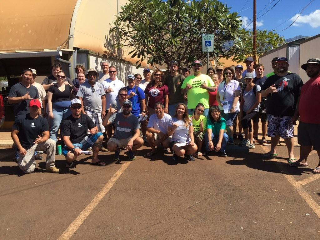 Hawaii volunteers at the Waianae Vet shelter