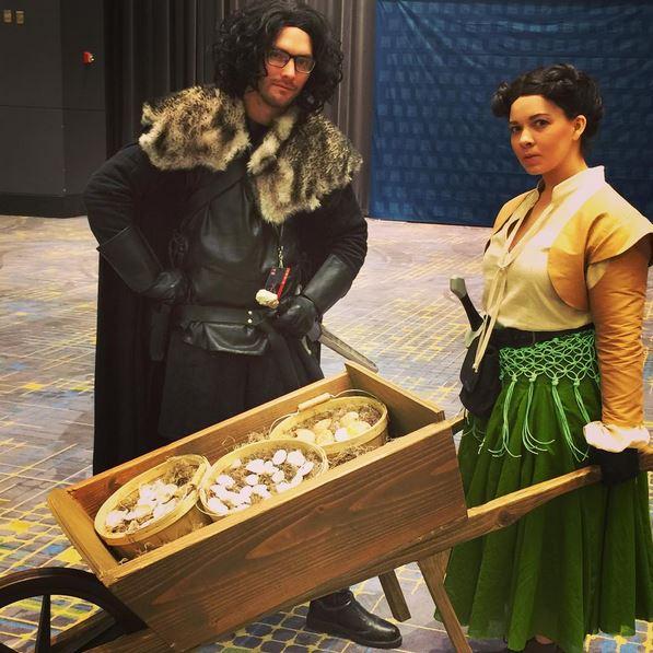 C2E2 Cosplay Jon Snow Arya Stark