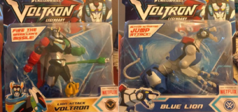 "Playmates Toys ""Voltron: Legendary Defender"" Basic Blue Lion & Lion Attack Voltron – Review"