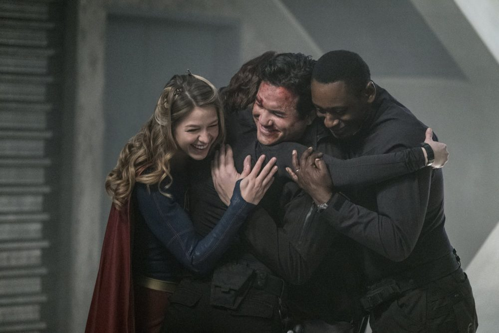 Supergirl, Homecoming, group hug