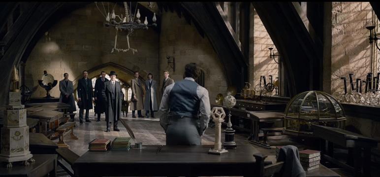 Fantastic Beasts Crimes of Grindelwald Teaser Trailer