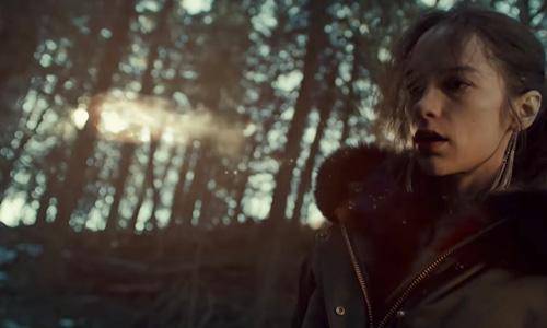 Wynonna Earp season 3 trailer Wynonna and glowy thing