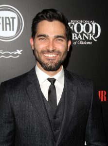 Hoechlin Steps OUt