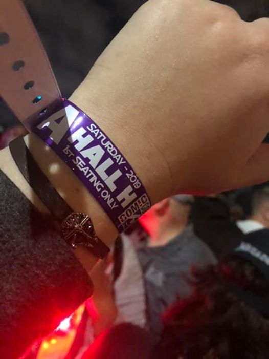 Convention Center / Hall H / Wristband